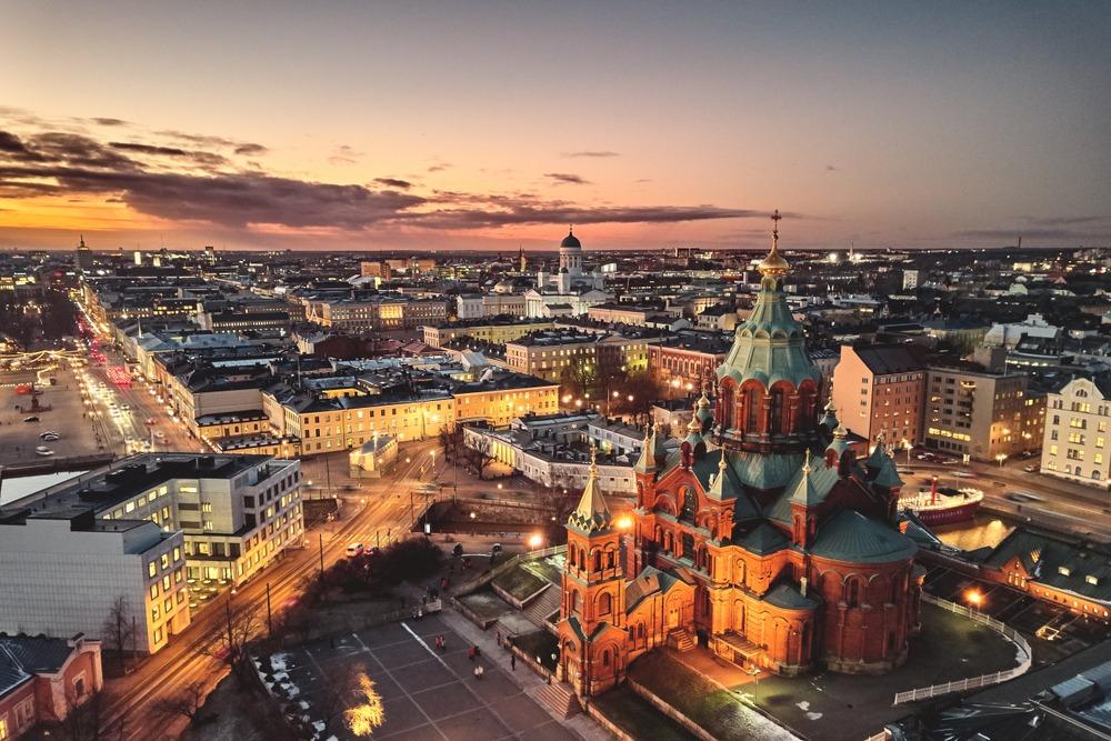 BALTICO FASCINANTE COM HELSINQUE E RUSSIA